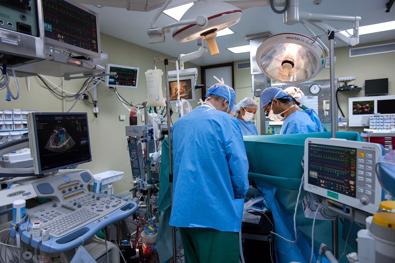 Medical Operation Surgery Doctor  - AhmadArdity / Pixabay